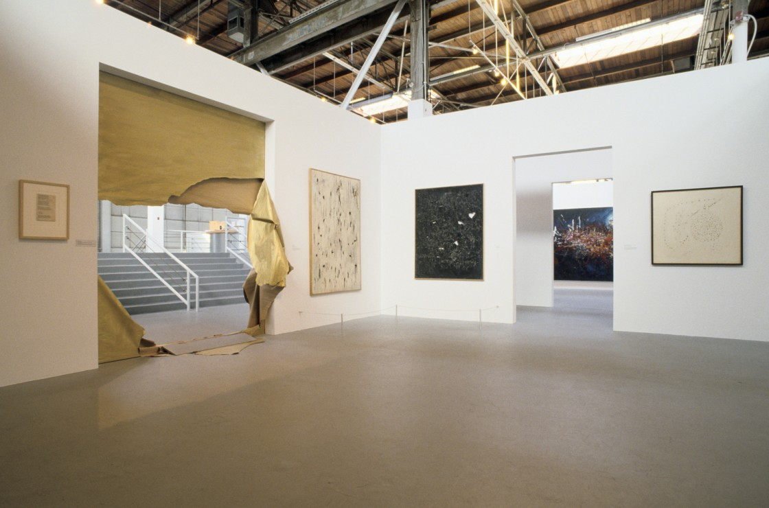 Out of Actions: Between Performance and the Object, 1949-1979 Installation View 01