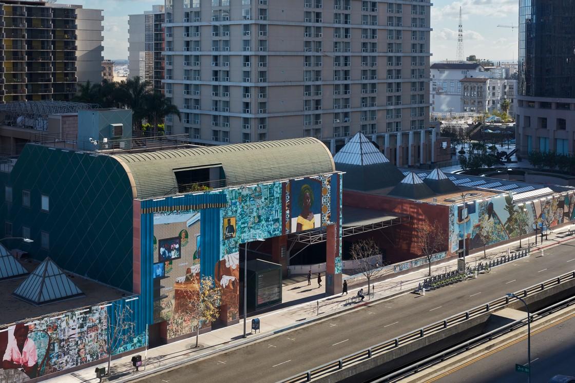 MOCA Mural: Njideka Akunyili Crosby Installation View 01