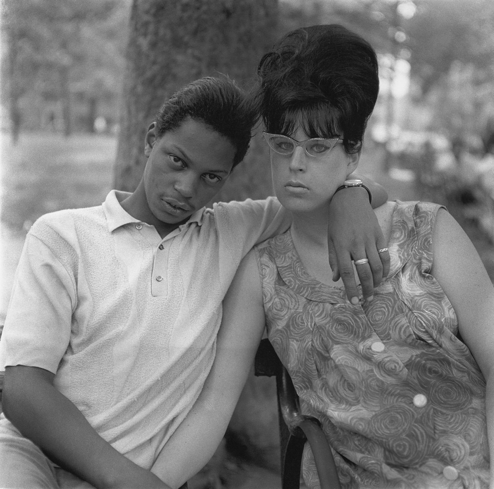 Diane Arbus, A young man and his pregnant wife in Washington Square Park, N.Y.C. 1965