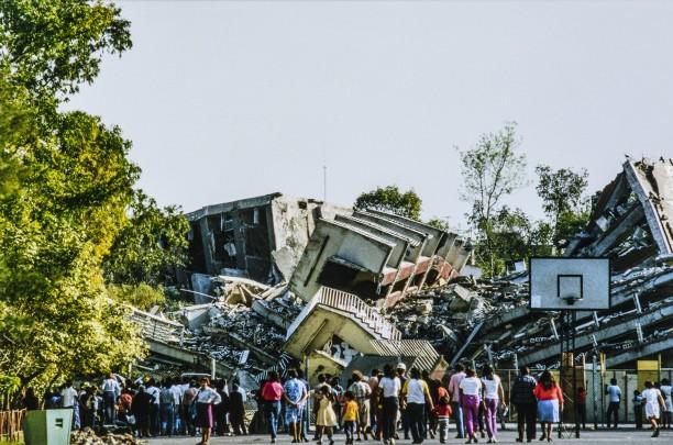 Unidad Habitacional Benito Juárez después del sismo (Arquitectura Colapsada Series)