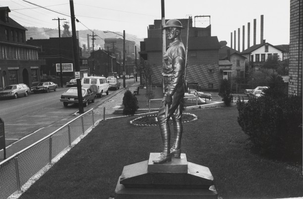 JOHNSTOWN, PENNSYLVANIA (statue)