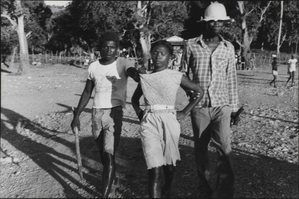 The niece of a Tonton Macoute is taken prisoner during a search for her uncle, Gros-Morne