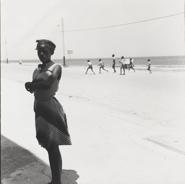 A girl at the ocean, Cap Haitian
