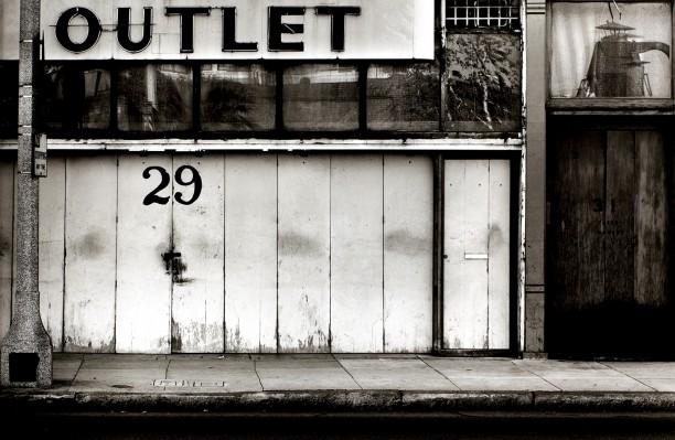Outlet 29, Pasadena