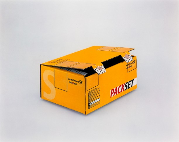 Packset, (small 25cm x 175cm x 10cm), Deutsche Post, Euro Express, (Kleben Sie den ausgefüllten Versandschein hier auf.  Lassen Sie sich beraten und wahlen sie die beste Versandart für 1hr Packset) Douglas M. Parker Studio, Glendale, CA, April 14, 2003